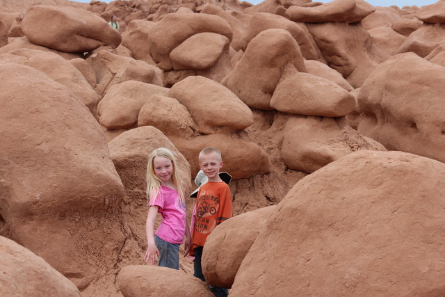 Emma and Aedin Richardson in Goblin Valley